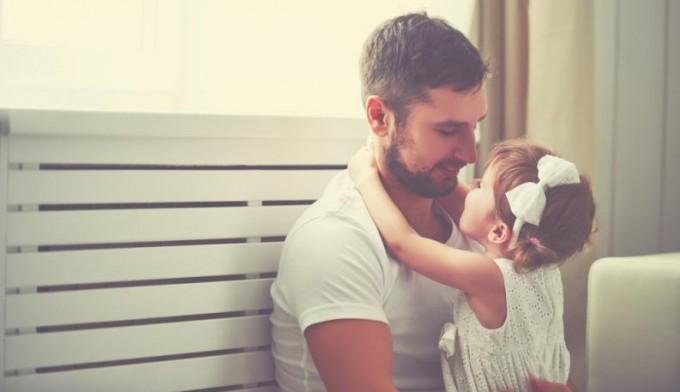 Este padre le escribió una inspiradora carta a su hija sobre la verdadera belleza