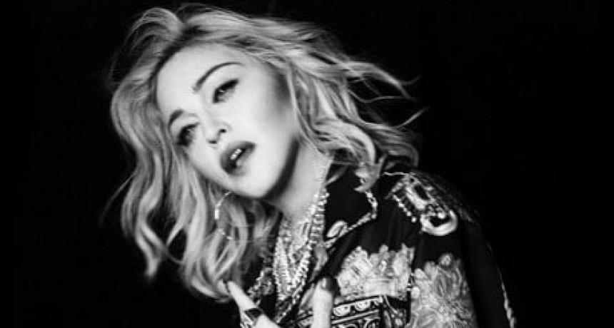 Madonna Lanza Crave
