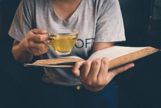 Estos 6 hábitos están dañando tu vida y deberías quitarlos de ella