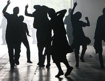 Por qué el baile es el mejor ejercicio para revertir el envejecimiento del cerebro