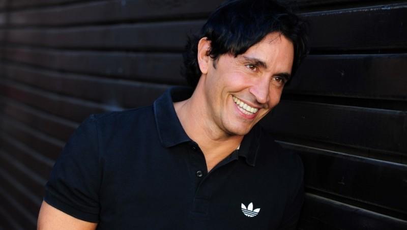 Sebastián Estevanez: el amor tiene cara de varón