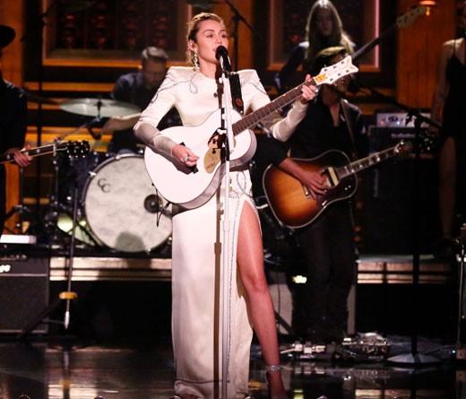 Homenaje de Miley Cyrus a las víctimas de Las Vegas